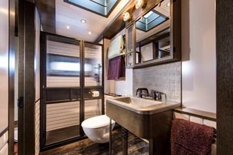 VIP Stateroom II Bath