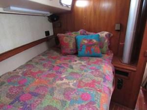 Double berth fwd cabin
