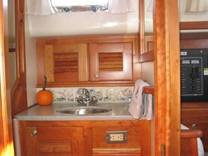 Sink in Head Compartment