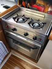 CHEEKY MONKEY 10 Gimballed 2 Burner Stove w/ Oven