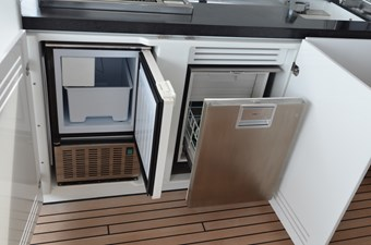 Ice Maker and Fridge