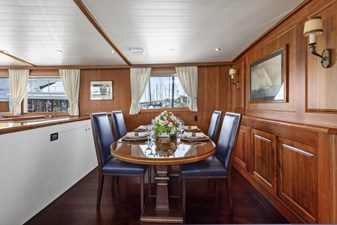 NORDIC STAR 14 DINING AREA