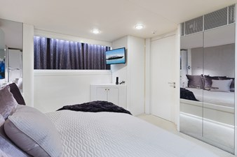 Aft Guest Stateroom (Purple)