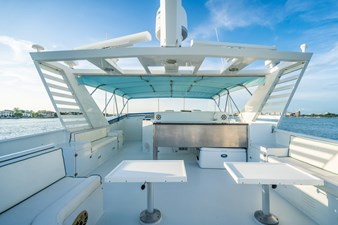 100 Broward RPH Flybridge Deck
