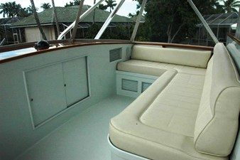 FLYBRIDGE SEATING
