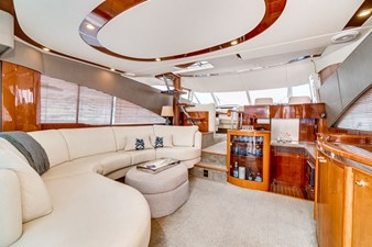 Salon Forward / Access Stairs to Flybridge