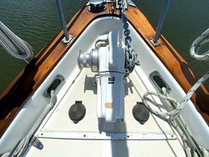 Endeavour 40 windlass