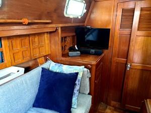 port saloon TV, bulkhead, storage