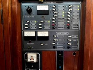 AC/DC control panel