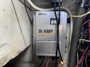 30-amp battery charger