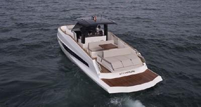 2021 Astondoa 377 Coupe 3 4