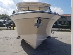 Bow profile w/ anchor & stainless rubrail. SeaV2 hull has a sharp entry angle for great ride