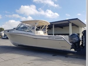 2015 Grady-White Freedom 335 6 2015 Grady-White Freedom 335 2015 GRADY-WHITE Freedom 335 Cruising Yacht Yacht MLS #266490 6