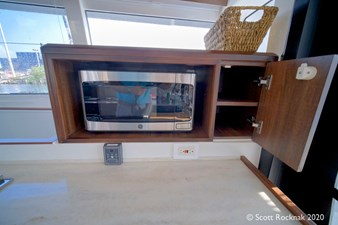 HH50 Microwave Cabinet