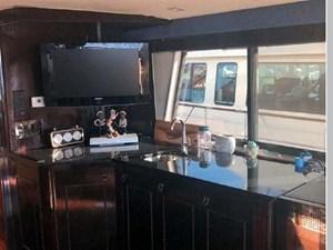 1988 Hatteras 65 Motor Yacht 11 12