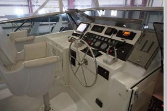1988 Hatteras 65 Motor Yacht 24 25