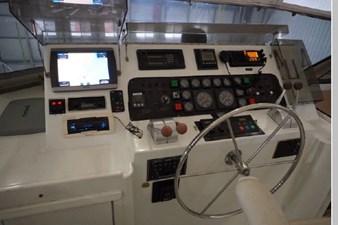 1988 Hatteras 65 Motor Yacht 26 27