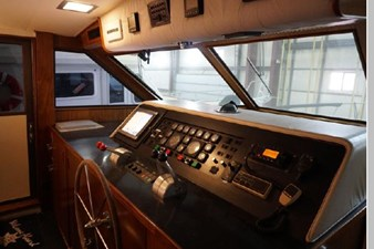1988 Hatteras 65 Motor Yacht 35 36