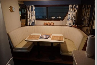 1988 Hatteras 65 Motor Yacht 63 64