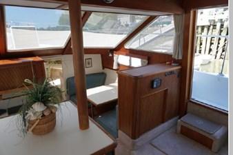 1991 Tollycraft 44 Cockpit Motor Yacht 21 22