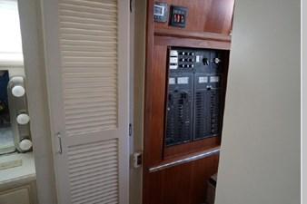 1991 Tollycraft 44 Cockpit Motor Yacht 29 30
