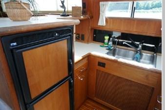 1991 Tollycraft 44 Cockpit Motor Yacht 33 34