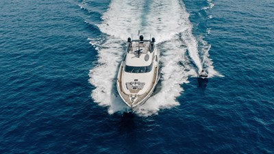 yacht-bagheera-202008-running-02