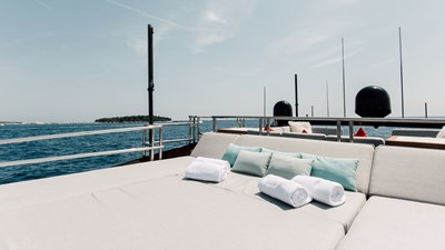 yacht-bagheera-202008-exterior-1