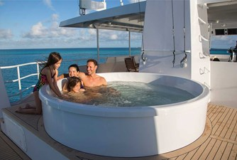 141' Expedition Yacht MARCATO jacuzzi