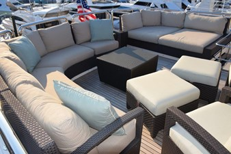 Flybridge aft seating area