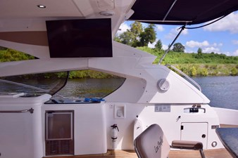 Aft Deck Flat Screen TV with Ice Maker