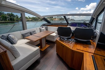 54_2019 57ft Sunseeker Predator