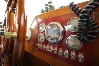 Classic Salon Ship