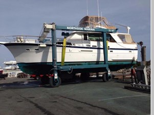 1982 Hatteras 53 Motor Yacht 1 2
