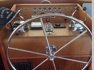 1982 Hatteras 53 Motor Yacht 5 6