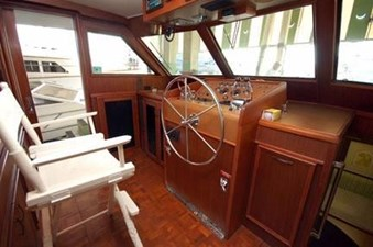 1982 Hatteras 53 Motor Yacht 12 13