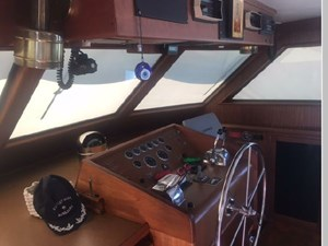1982 Hatteras 53 Motor Yacht 21 22