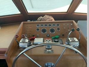 1982 Hatteras 53 Motor Yacht 32 33