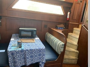 1982 Hatteras 53 Motor Yacht 42 43