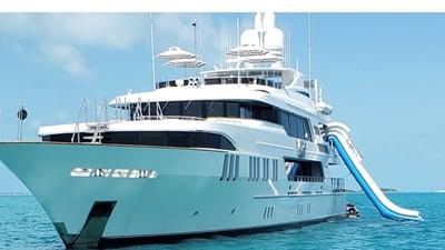OCEAN CLUB 3 4m FREESTYLE SLIDE OCEAN CLUB 164' 2009 TRINITY TRI-DECK MOTOR YACHT
