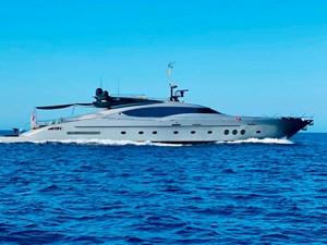 Palmer-Johnson-PJ120-Escape II-Motor Yacht-Exterior-2