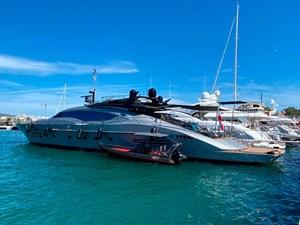 Palmer-Johnson-PJ120-Escape II-Motor Yacht-Exterior-At-Anchor