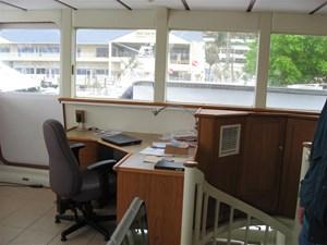 Helm Desk