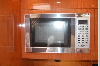 2006 Regal 3560 Commodore 17 18
