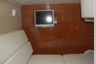 2006 Regal 3560 Commodore 25 26