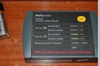 2006 Regal 3560 Commodore 30 31