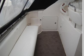 2006 Regal 3560 Commodore 46 47