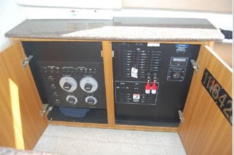 2001 Bayliner 3488 Command Bridge Motoryacht 7 8