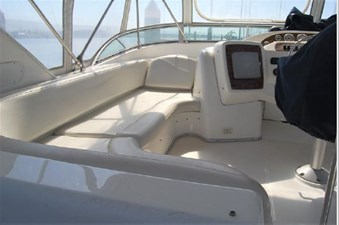 2001 Bayliner 3488 Command Bridge Motoryacht 22 23