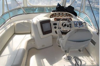 2001 Bayliner 3488 Command Bridge Motoryacht 24 25